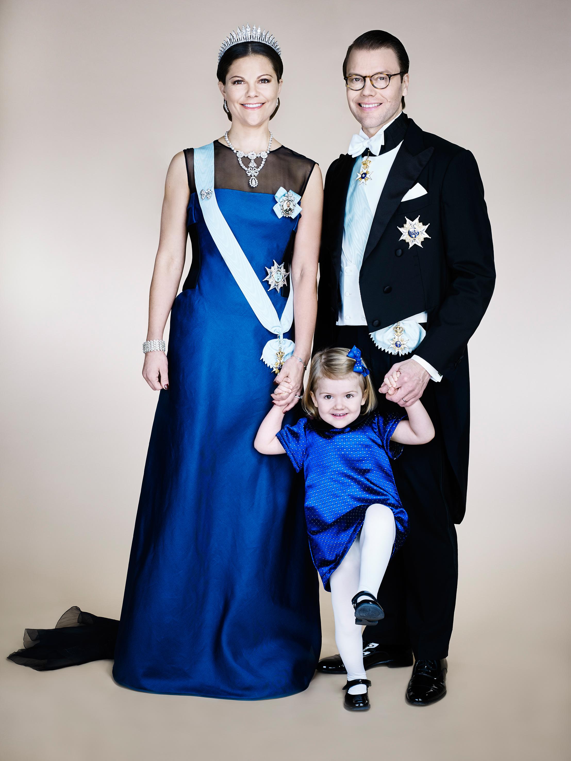 Kronprinsessan+Victoria+Prins+Daniel+Prinsessan+Estelle+Foto+Anna-Lena+Ahlström+Kungahuset.se